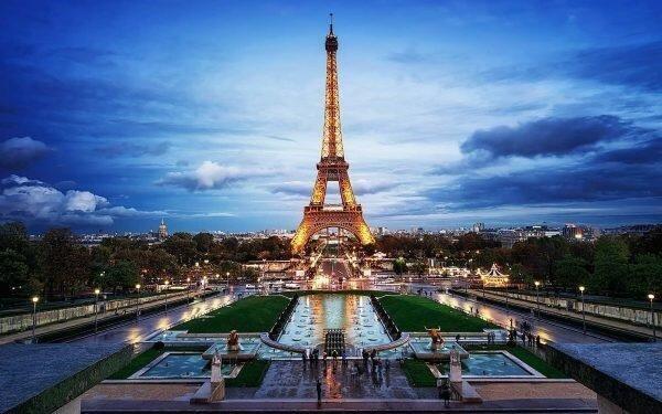 En etkileyici 20 mimari yapı| eyfel kulesi-fransa