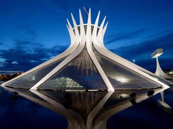En etkileyici 20 mimari yapı| brasilia katedrali-brezilya