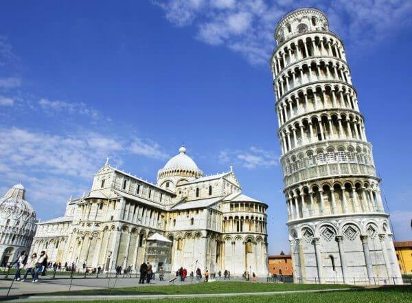 En etkileyici 20 mimari yapı| pisa kulesi-i̇talya
